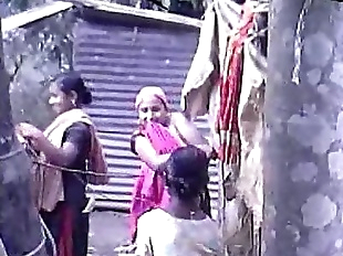 Desi group of Teen Girls Bathing Outdoor - 2 min