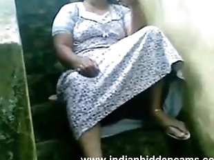 Indian Busty Housewife Exposing Her Pussy..
